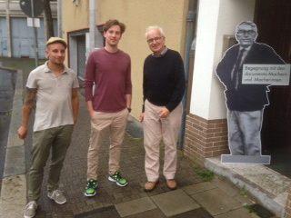 Dirk Schwarze mit den Filmmachern