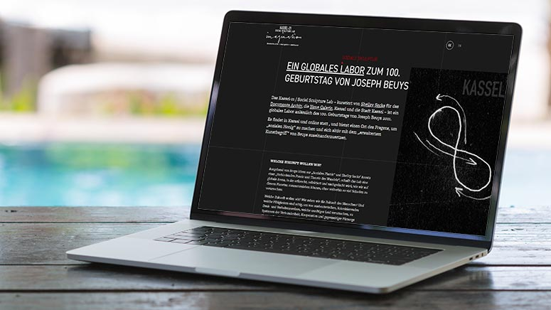 Screenshot - https://socialsculpturelab.com/ Laptop: ©Image licensed by Ingram Image/adpic