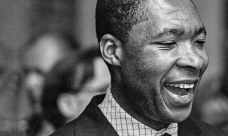 Okwui Enwezor © documenta archiv / Dieter Schwerdtle